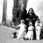 Mariage de Antoine de Saint Exupéry et Consuélo Suncin sur la terrasse du château d'Agay, mai 1932. (coll. archives familiales)