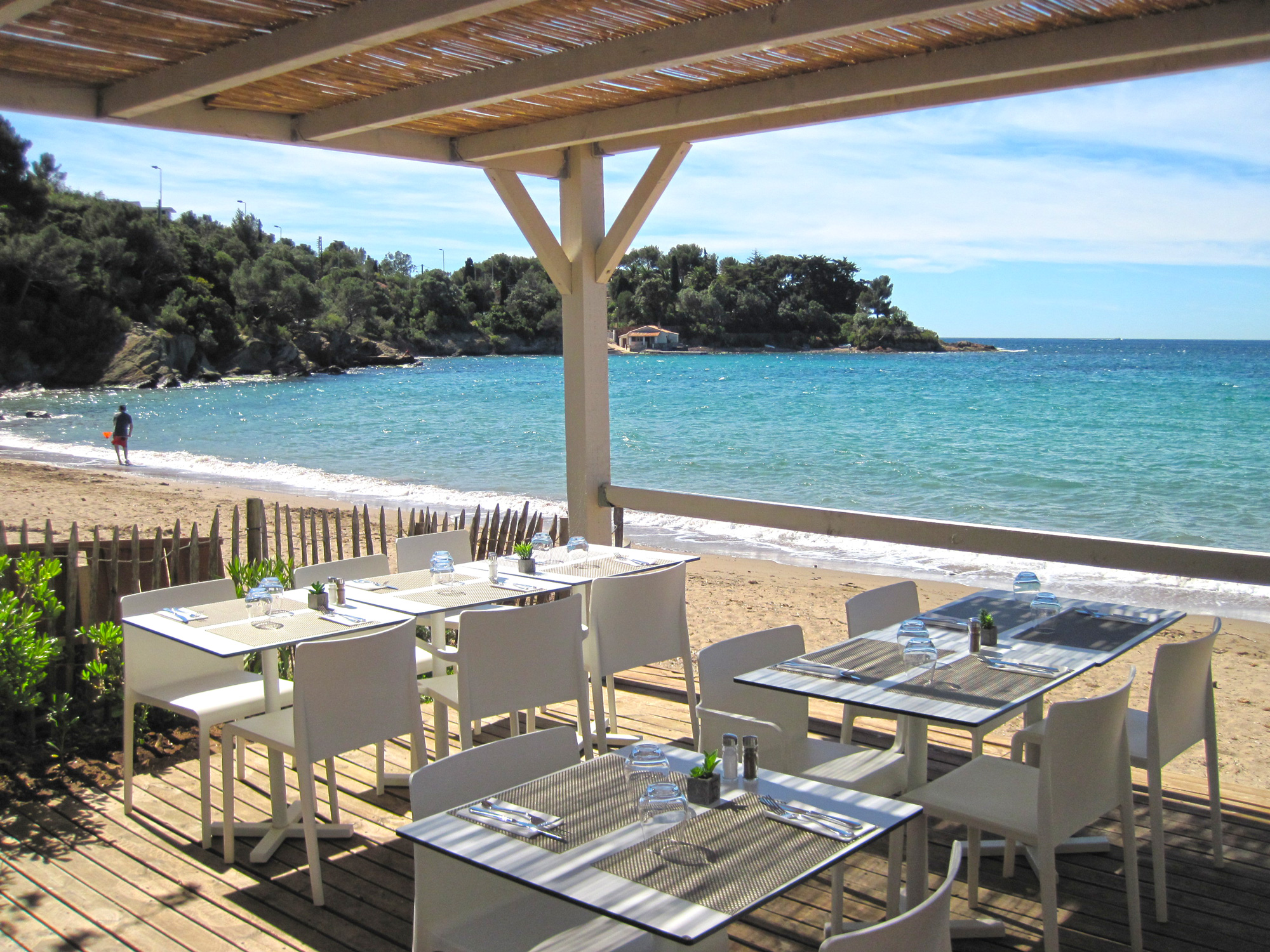 restaurant-de-plage-club-agathos-agay-var