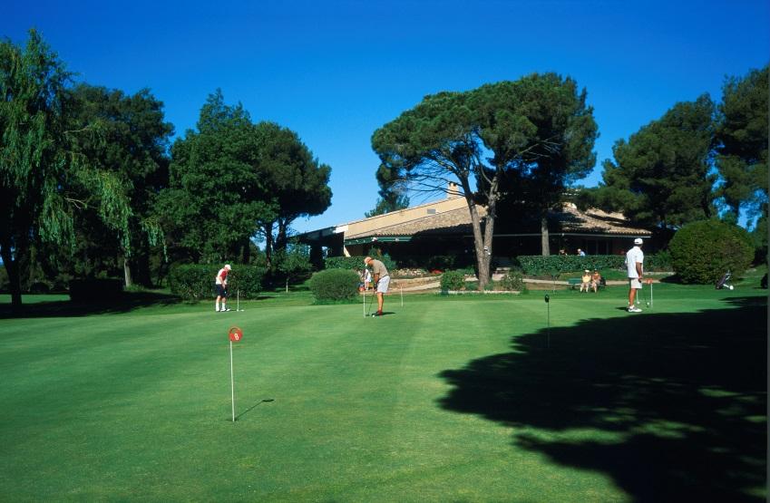 golf-de-l'esterel-partenaire-de-la-résidence-agathos-a-agay-saint-raphael-var