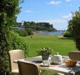 vue terasse table jardin residence location vacance agathos agay var