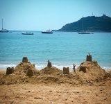 chateau-sable-plage-baumette-agay-var